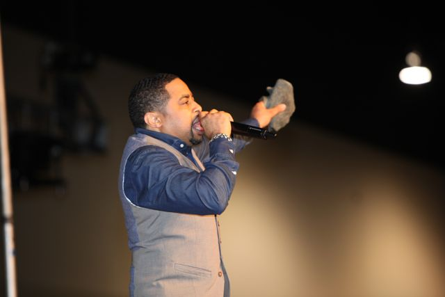 Smokie Norful Women's Empowerment 2014