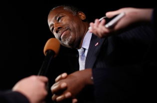 GOP Presidential Candidate Ben Carson Campaigns In Alexandria, Virginia