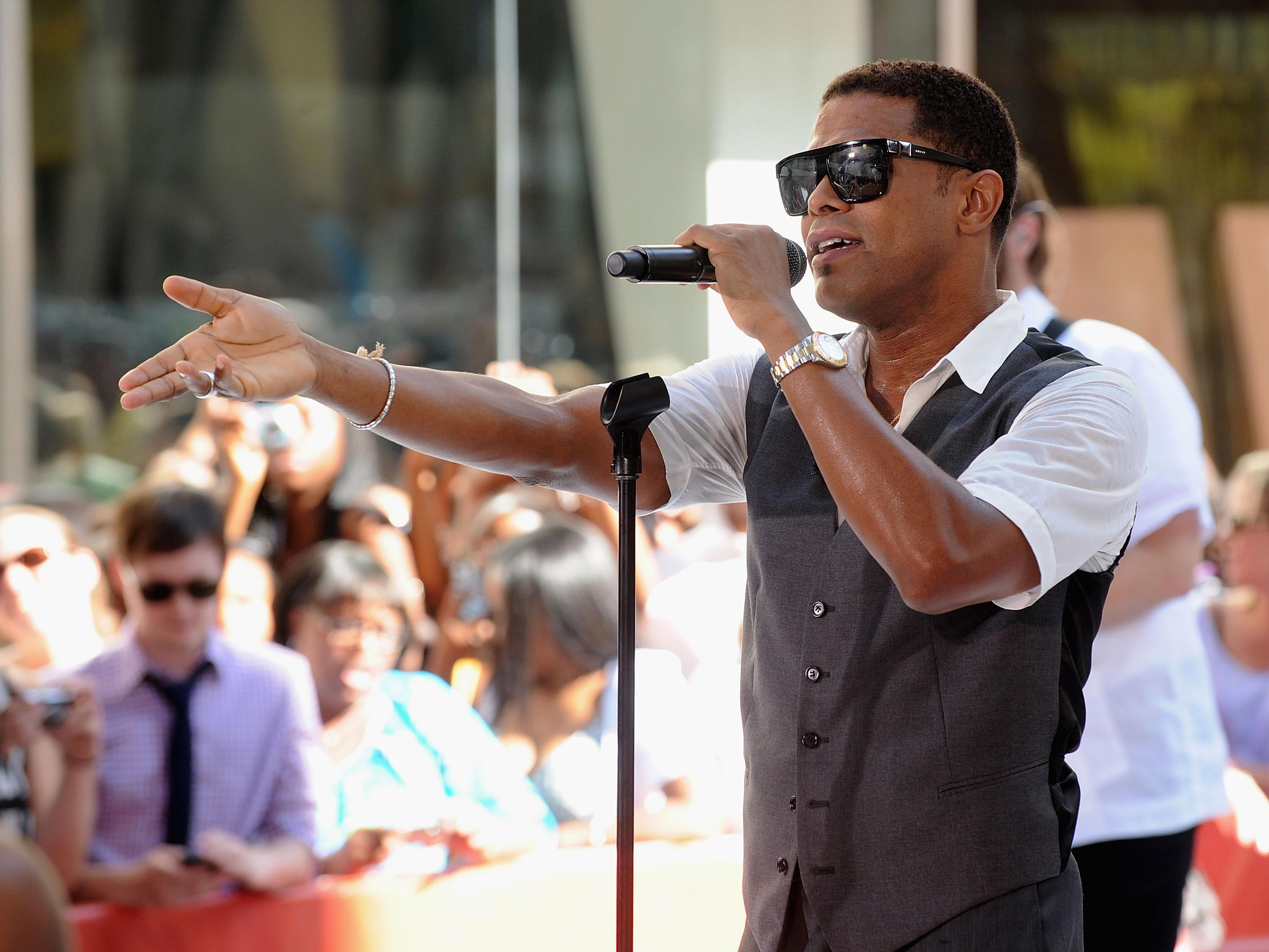 Maxwell Performs On NBC's 'Today' - June 25, 2010