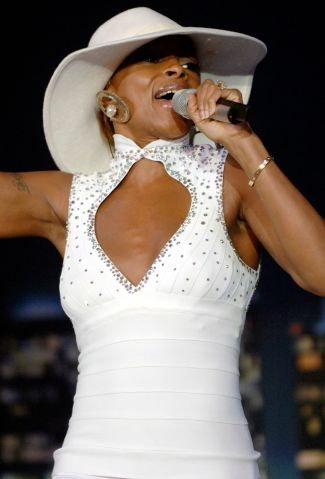 USA - Mary J. Blige's 'The Breakthrough Experience Tour' in Mountain View
