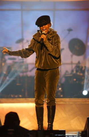 Mary J Blige performs during rehearsals for the 2003 BET...