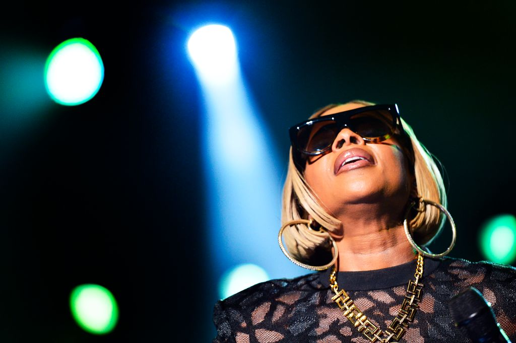 Mary J  Blige Breaks Record For Most Top 10 Hits On Adult