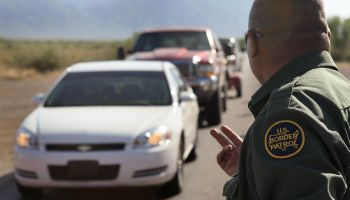 Border Agents Struggle To Keep Immigrants From Illegally Crossing AZ Border